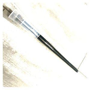 ➕SEPHORA COLLECTION PRO Airbrush Detail Brush #57